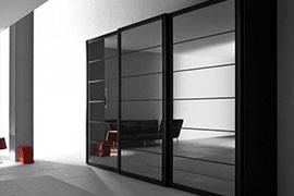 Черные шкафы-купе
